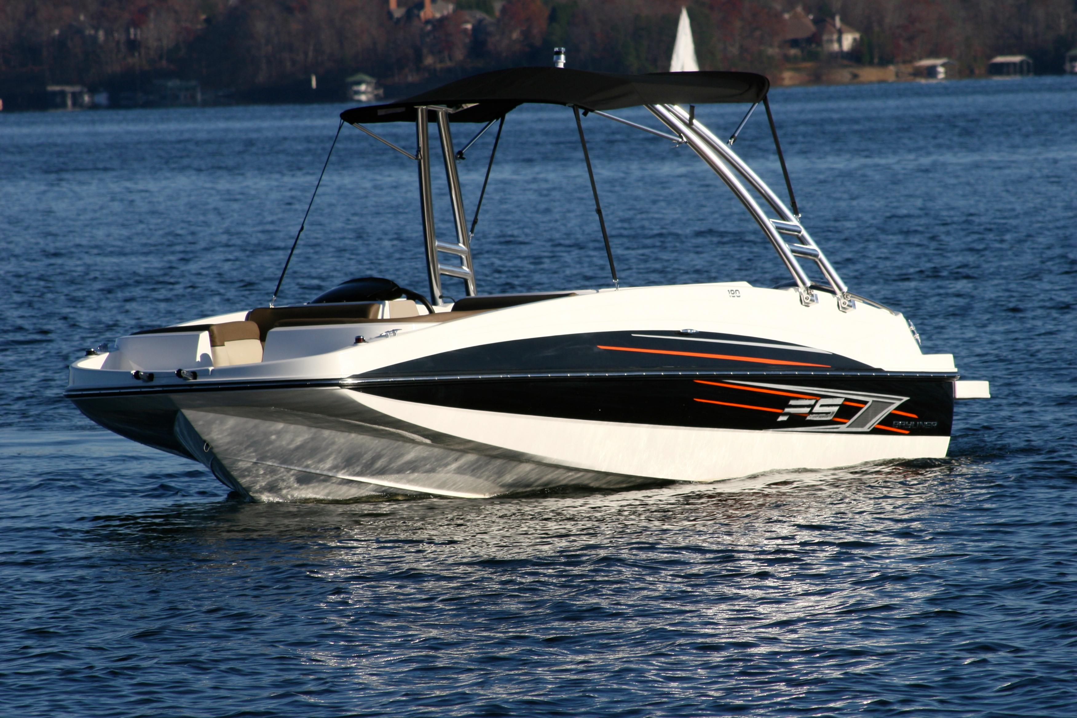 lake conroe boat rentals, jet ski rentals lake conroe, pontoon rentals, fun on lake conroe, things to do on lake conroe